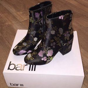 Shoes - Floral detail ankle boots size 5